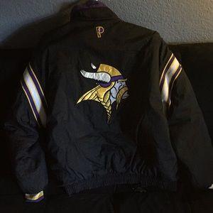 Reversable Vikings Puffer jacket